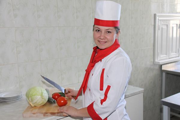 В Пружанах прошел ХХІХ республиканский семинар-конкурс поваров, кондитеров и официантов