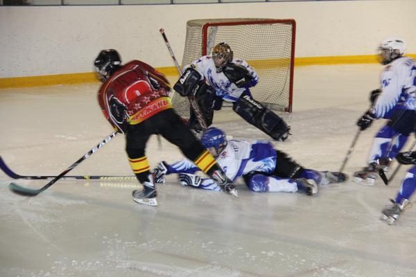 На хоккейном турнире «Золотая осень» пружанская команда заняла второе место