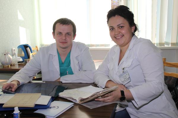 Молодые специалисты хирург Николай Санюкович и психотерапевт Екатерина Тарасюк