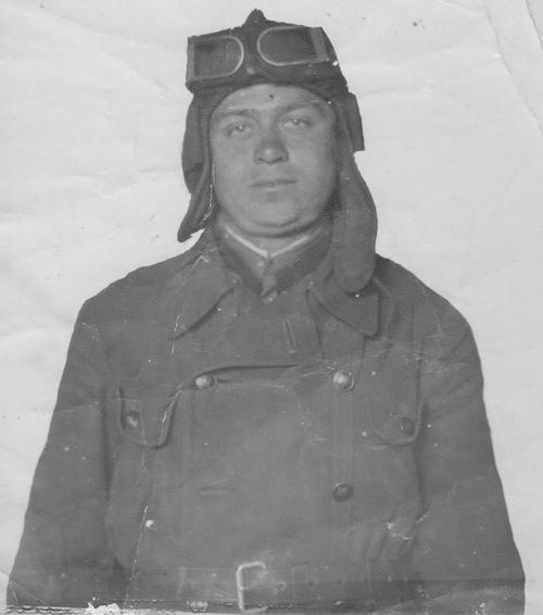 5. Адзін з танкістаў, які кватэраваўся ў Гараднянах. Фота 1941 г.