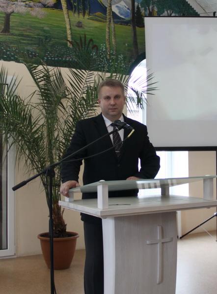 valeryj-axrymuk-svyatar-carkvy-evangelskix-xrysciyan-baptysta%d1%9e-2