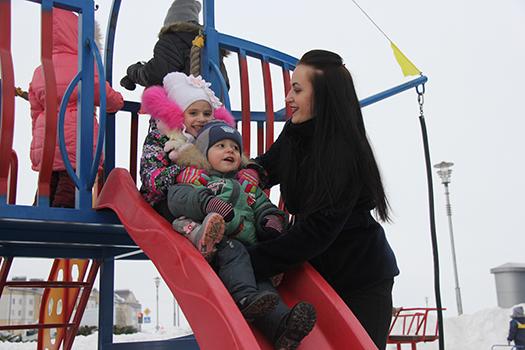 Дети из Пружан, Ружан и Клепачей получили подарок от DANONE