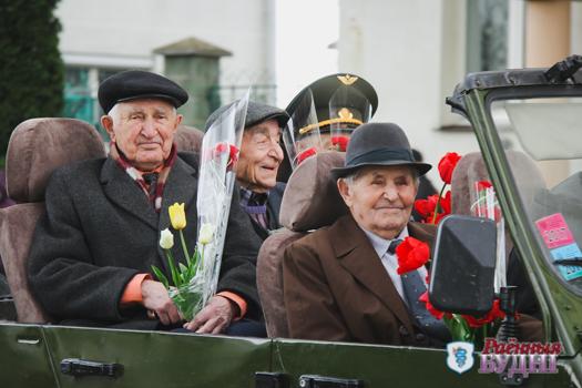 Радость со слезами на глазах. Фоторепортаж с празднования Дня Победы в Пружанах