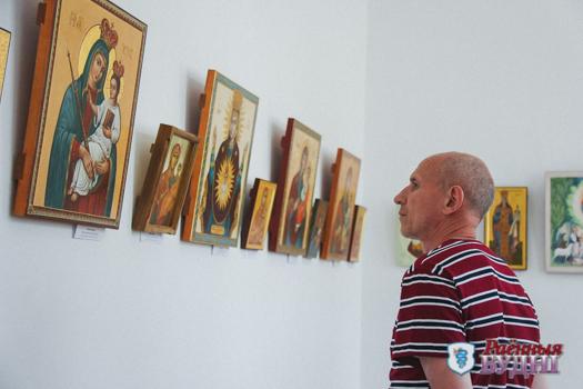 Под покровом Богородицы. В музее-усадьбе проходит выставка белорусской чудотворной иконы
