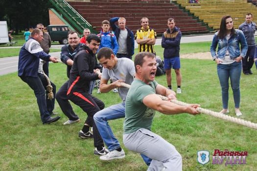 Сильнейшие — шерешевцы. В День Независимости на городском стадионе прошли соревнования среди жителей сельсоветов