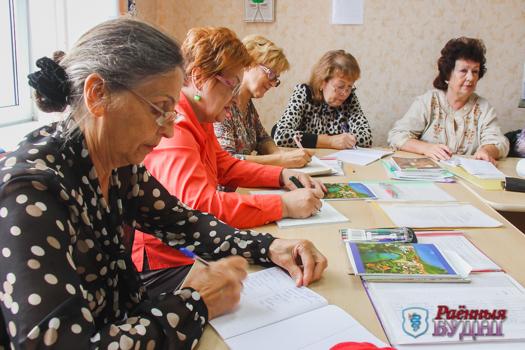 Все больше пенсионеров посещают курсы итальянского и изучают компьютер
