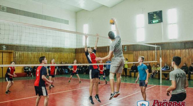 Завершился кубок города по волейболу среди средних школ