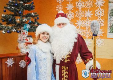 В Шерешево доктор в Деда Мороза превращается и лечит добрым словом и холодом!