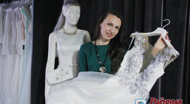 Уроженка Ружан Юлия Гугельчук создает уникальные вещи и даже вышивала платье для участницы конкурса «Miss International»