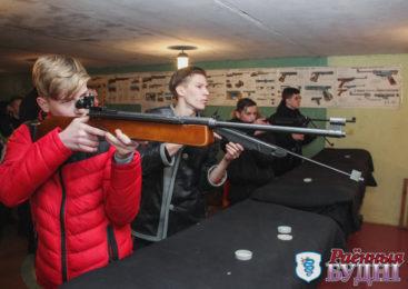 На районных соревнованиях по стрельбе победили гимназисты