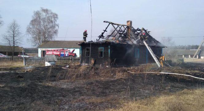 За минувшую неделю пожарные шесть раз выезжали на тушение сухой травы