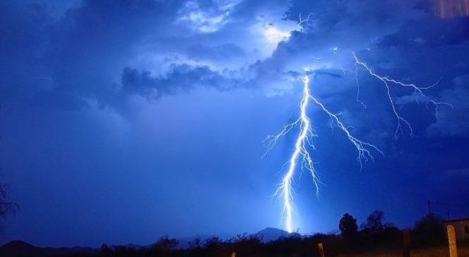 Молниеприемник, токоотвод и заземление. Рассказываем, как защитить себя от молнии