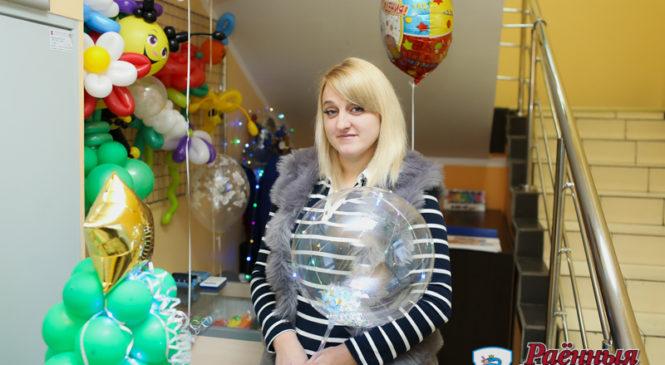 Многодетная мама получила субсидию и занялась… воздушными шариками