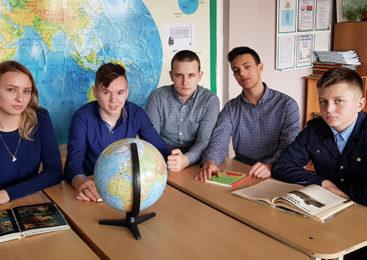Команда интеллектуалов из СШ №5 представит область на республиканском турнире по «Что? Где? Когда?»