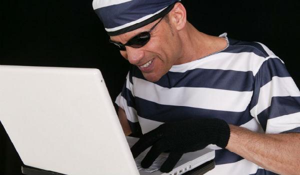 Новый вид виртуального мошенничества: жительница города лишилась 450 рублей