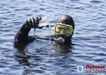 Готовимся к купальному сезону. Водолазы убрали за «отдыхающими»