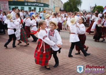 Свыше 1500 юных артистов приняли участие в VII открытом фестивале фольклорного искусства «Родовод-2019»