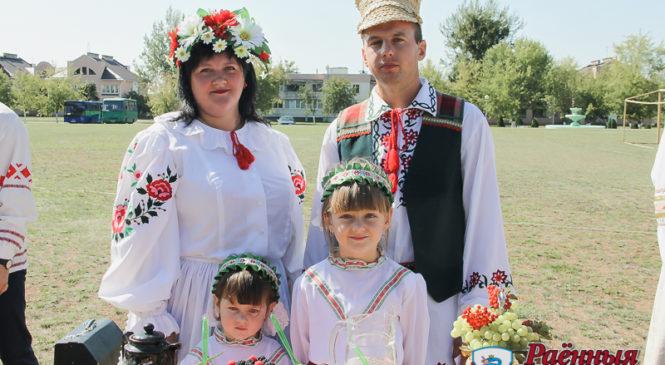 Максим и Марина Вежбицкие — новые «Властелины села»