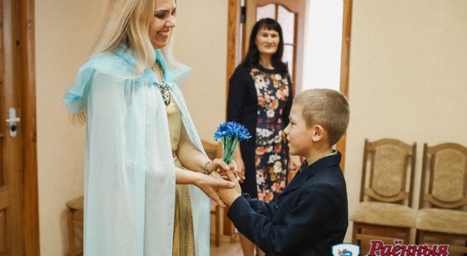Детская писательница Екатерина Ходасевич-Лисовая встретилась с юными пружанскими читателями
