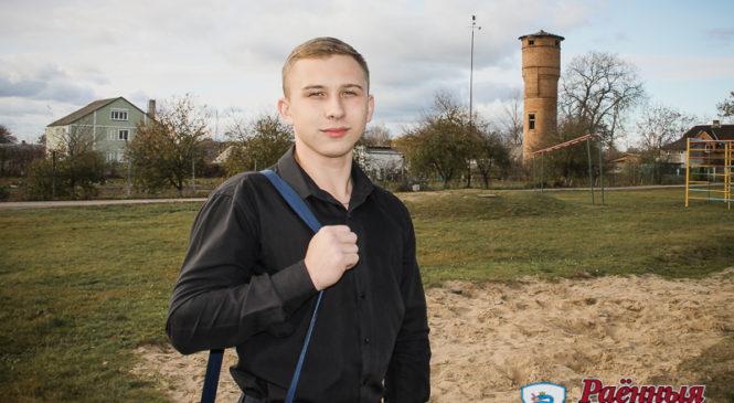 Школьник вместе с семьёй переехал из Украины, а  теперь его научно-исследовательские работы в числе лучших в Беларуси