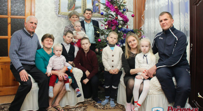 Большая семья Василия и Елены Облаушко: деревня любит только трудолюбивых