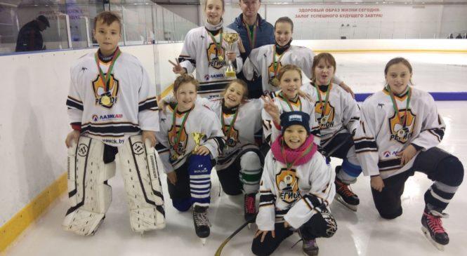 Девочки снова переиграли мальчиков в хоккей