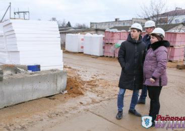 Мобильная группа райисполкома провела мониторинг условий труда на строительных объектах
