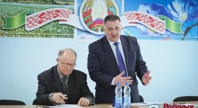 В ОАО «Пружанский льнозавод» прошел Единый день информирования. Обсудили дороги и благоустройство