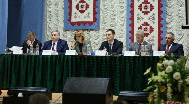 Министр информации принял участие в итоговой коллегии главного управления идеологической работы и по делам молодежи облисполкома, которая проходит в Пружанском районе