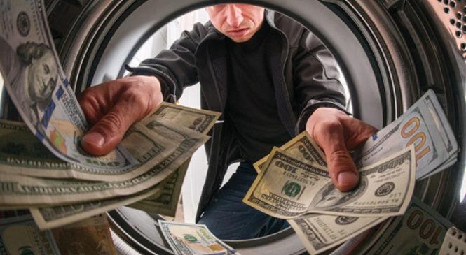 Бумажные деньги vs коронавирус. Специалисты рассказали, как защитить свое здоровье при оплате покупок и услуг