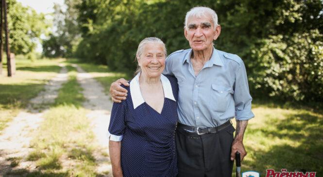 Василий и Мария Щурко: «Дом помогла построить… клюква»