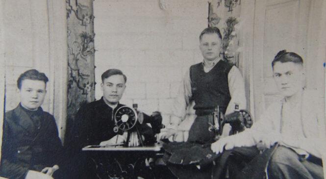 Гісторыя з фатаграфіяй. Швейная майстэрня ў ваенныя часы