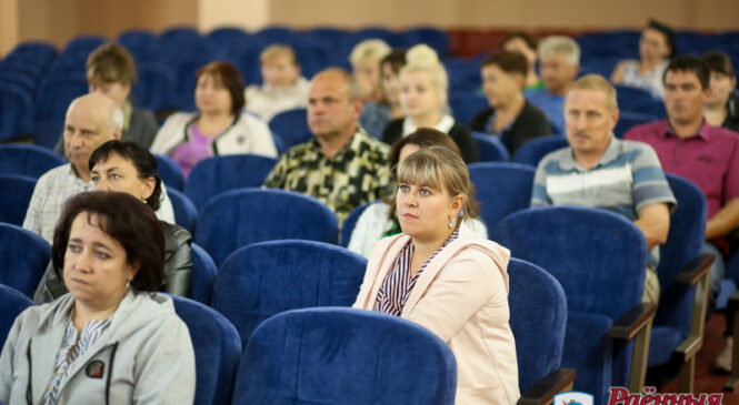 Работники ОАО «Агро-Колядичи» озвучили свои проблемы перед председателем райисполкома