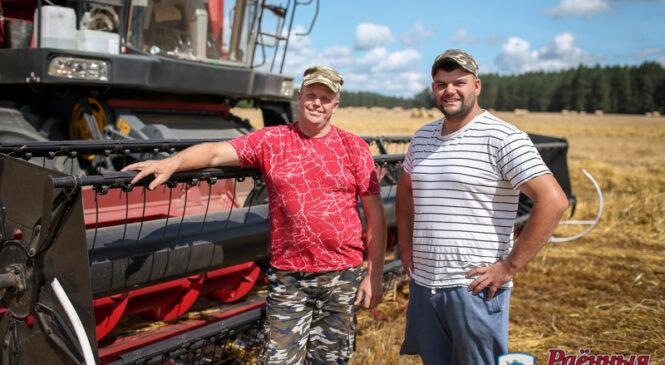 Три семейных экипажа трудятся на полях ОАО «Агро-Колядичи»