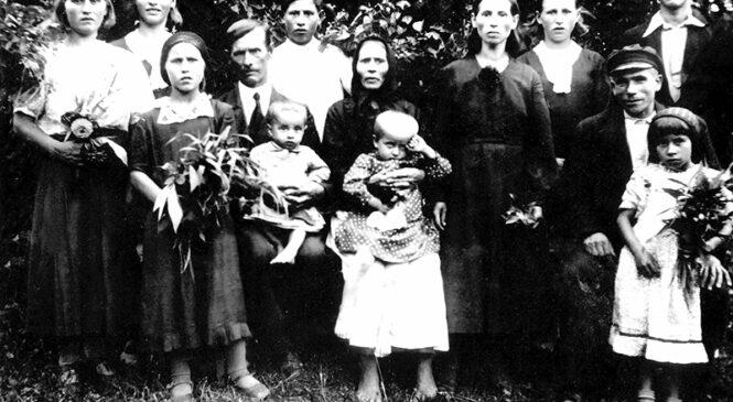 Гісторыя з фатаграфіяй. Сяляне  з вёскі Ялова
