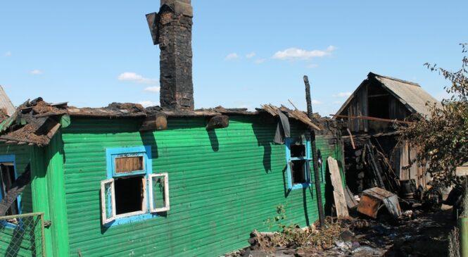 На пожаре в Рожковичах пострадала пенсионерка