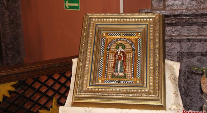 У касцёл Святой Тройцы перададзена ўнікальная ікона святой велікамучаніцы Барбары. Пачытайце гісторыю яе стварэння