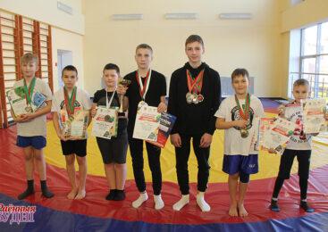 Выхаванцы клуба баявых адзінаборстваў «Гладыятар» узялі медалі на трох турнірах
