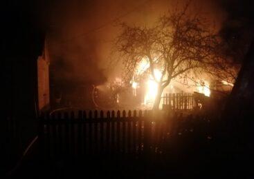 На улице Засима сгорела хозяйственная постройка