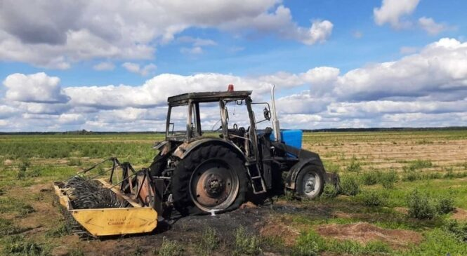 В Пружанском районе 5 сентября горел трактор